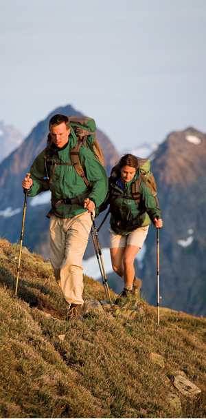 Trekking pole hiking lessen strain on knees