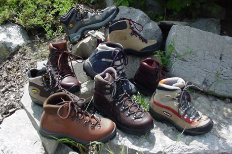 Hiking Boots buying and maintenance tips